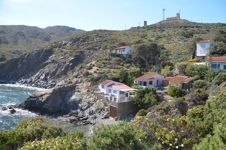 Maisons de Pêcheurs dans l'anse de Ste Catherine à Port-Vendres
